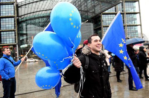 Merkel hört Bürger zu Europa an