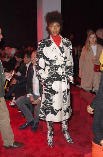 Prominente Gesichter sah man bei Calvin Klein auch neben dem Laufsteg: Supermodel Naomi Campbell, .... Foto: GETTY IMAGES