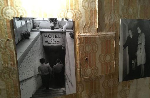 Dieses Bild zeigt den Abgang zum Bunkerhotel in den Jahren nach dem Zweiten Weltkrieg. Heute ... Foto: Jan Georg Plavec