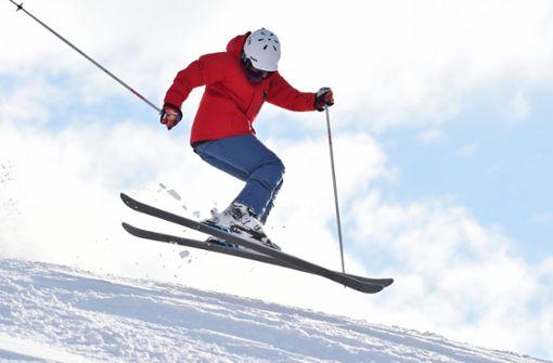 Winterurlauber auf dem Weg ins Skigebiet Serfaus müssen bei der An- und Abreise Geduld haben. Foto: dpa