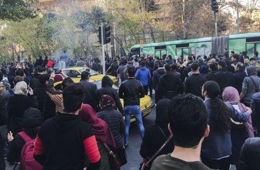450 Demonstranten in Teheran verhaftet