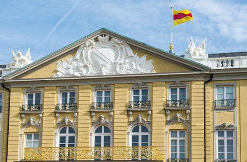 Schloss Karlsruhe darf Baden-Flagge hissen