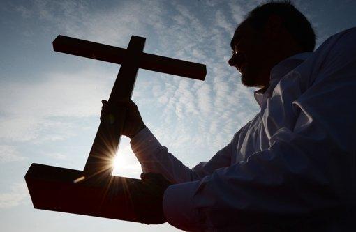 Bibel vom Altar geklaut