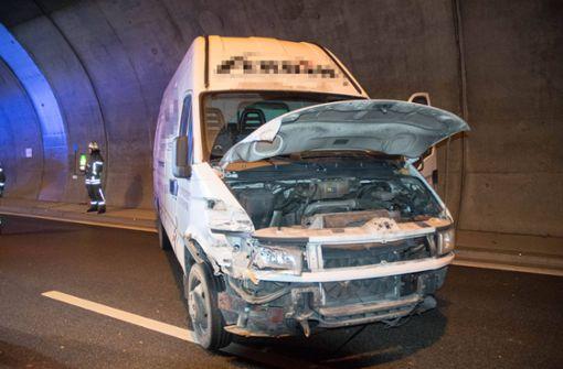 Drei Fahrzeuge kollidieren – Stau im Engelbergtunnel
