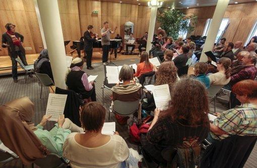 Proben in der Bachakademie für den Auftritt in der Liederhalle Foto: factum/Granville