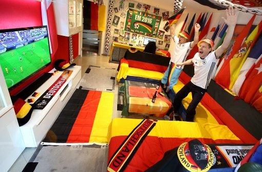 Jede Menge EM-Deko: So sieht ein echtes Fan-Wohnzimmer aus - Fußball ...
