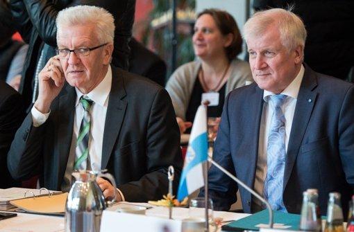 Verstehen sich gut: Ministerpräsidenten Kretschmann (li.) und Seehofer Foto: dpa