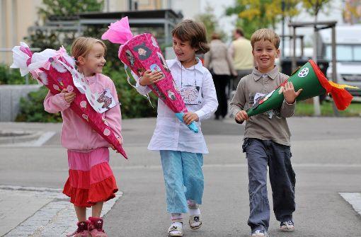 Die Erstklässler einer Grundschule im Landkreis Göppingen können kaum abwarten mit dem Lernen loszulegen (Symbolbild). Foto: dpa