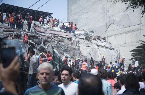 Erdbeben tötet mindestens 224 Menschen