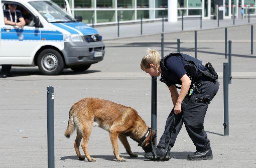 Polizeihund trickst bewaffneten Rentner aus