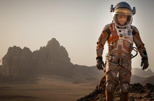 """Auch Matt Damon ist nominiert, für seine Rolle als Mark Watney im Survival Thriller """"Der Marsianer –Rettet Mark Watney von Ridley Scott. Watney wird auf dem Mars zurückgelassen und muss sich als Robinson der anderen Art beweisen. Foto: dpa"""