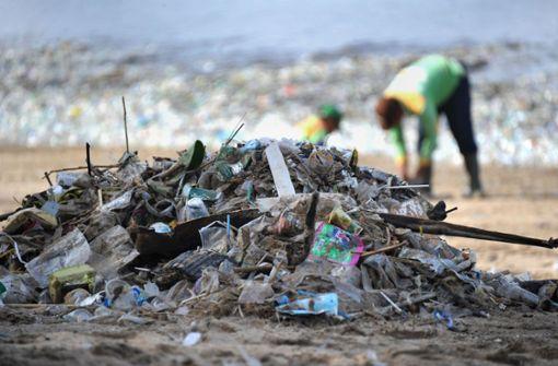 Paradiesische Strände drohen im Abfall zu versinken