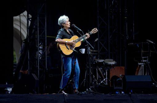 Bei ihrem Auftritt gab Baez Songs von Bob Dylan, Antony and the Johnsons, aber auch von Johann Abraham Peter Schulz zum Besten. Foto: factum/Weise