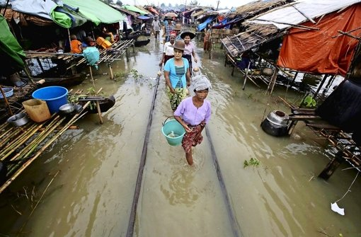 Myanmar versinkt in stinkendem Matsch