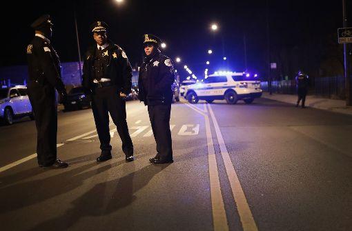 Kleinkind stirbt nach Schüssen auf Gangmitglied