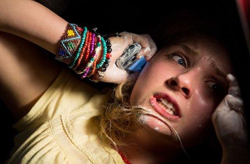 gefangen im Kofferraum: In The Call - leg nicht auf wird ein junges Mädchen entführt. Klicken Sie sich durch unsere Bildergalerie. Foto: Verleih