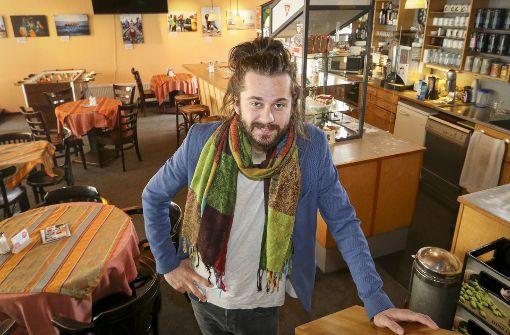 Tobias Bacherle fühlt sich im Sindelfinger s'Café wie zuhause. Foto: factum/Granville
