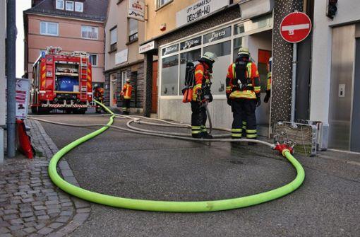 Passanten hatten die starke Rauchentwicklung bemerkt und die Rettungskräfte informiert. Foto: SDMG