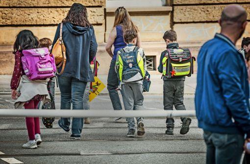 Langer Schulweg schreckt Eltern ab