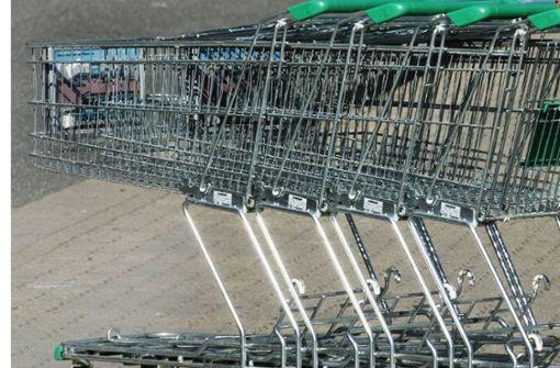 Ein einzelner Einkaufswagen hat bei Schorndorf zwischenzeitlich den Bahnverkehr lahm gelegt. Foto: dpa