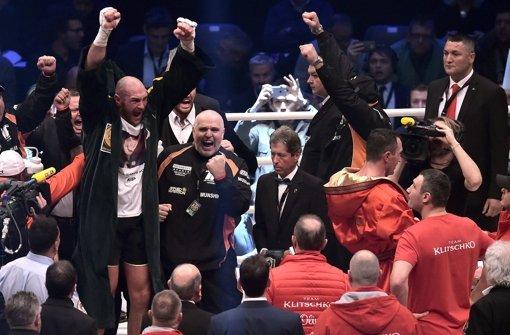 Neuer Box-Weltmeister Fury jubelt