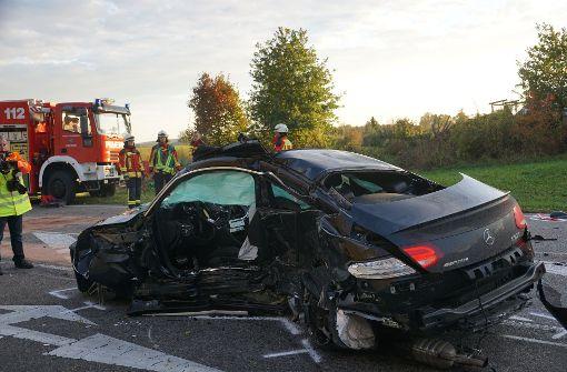 Ein schwerer Unfall im Alb-Donau-Kreis hat zwei Menschenleben gefordert. Foto: SDMG