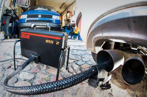Der Abgasbetrug bei VW ist im September 2015 aufgeflogen – die Folgen beschäftigen Gerichte vermutlich noch jahrelang. Foto: dpa
