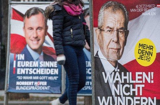 Am Sonntag wählen die Österreicher ihren Staatspräsidenten. Sie können sich zwischen Norbert Hofer und Alexander van der Bellen entscheiden. Foto: EPA