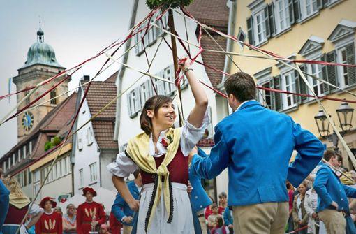 Line Dance, Volkstanz und Festumzug