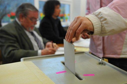 Wie der Wähler in acht Wochen entscheidet, weiß derzeit noch niemand, doch Meinungsumfragen  zeigen Tendenzen auf. Foto: dpa