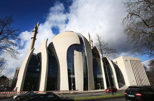 Die Ditib-Zentralmoschee in Köln ist heute das größte islamische Gevetshaus in Deutschland. Foto: dpa