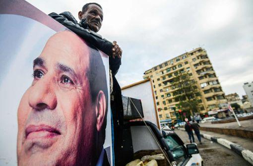 Wie  Präsident al-Sisi die Konkurrenz aus dem Weg räumt