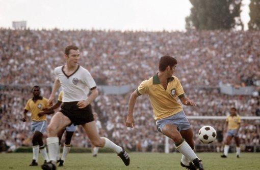 Im Jahr 1972 durfte sich bFranz Beckenbauer/b (FC Bayern München, links) über die Ehre freuen. Foto: dpa