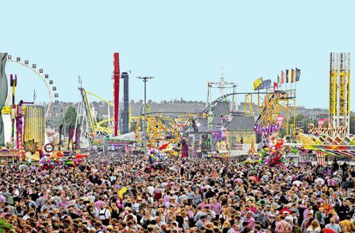 Geht es nach dem Willen der Touristiker, soll die Stadt durch Events wie das Volksfest künftig noch mehr Menschen an locken. Foto: Lg/Willikonsky