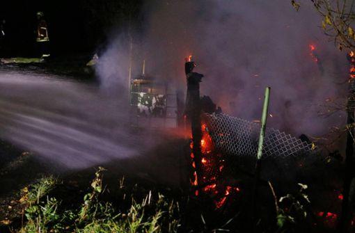 Gartenhaus brennt nieder