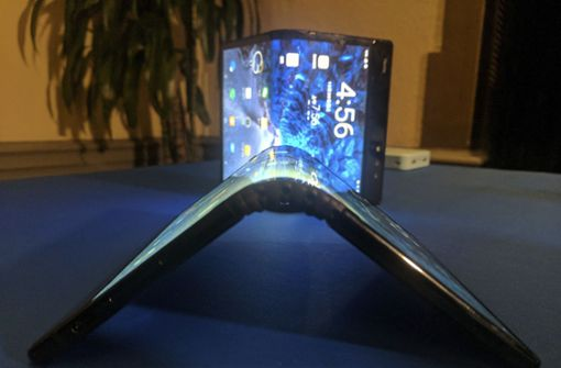 Samsung will ein faltbares Handy auf den Markt bringen. Foto: AP
