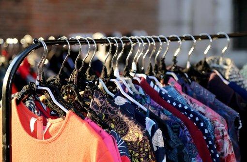 Der Gebrauchthandel in Deutschland boomt: Nach einer Studie liegen vorne auf  der Rangliste liegen Bücher (44 Prozent), gefolgt von Kleidung (40 Prozent). Foto: Fotolia/©