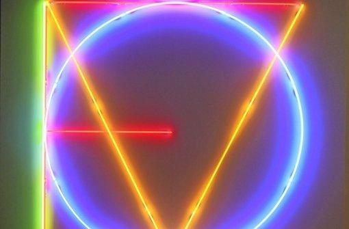 """Maurizio Nannuccis Neon-Installation """" LOVE"""" Foto: Museum Ritter/z"""