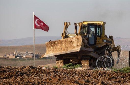 Das Paar reiste über die Türkei in den Norden Syriens Foto: EPA
