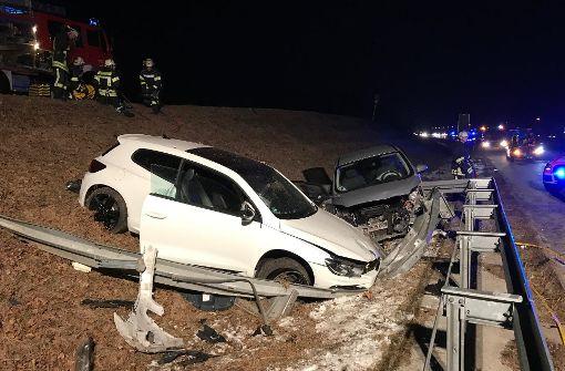 Ein Toter und fünf Schwerverletzte bei Unfall
