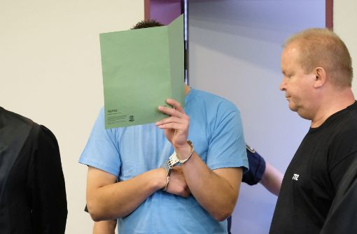 """Zwei 21-Jährige wegen """"unfassbarem Verbrechen"""" verurteilt"""