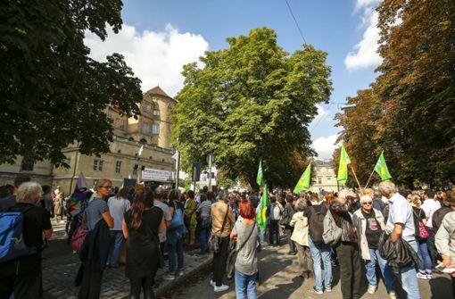 """Unter dem Motto """"Gemeinsam Vielfalt leben"""" wollen die Teilnehmer klar Kante gegen Hitlergrüße und Hetze in Chemnitz und Köthen zeigen.  Foto: Lichtgut/Leif Piechowski"""