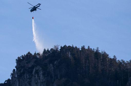 Lösch-Hubschrauber auch am dritten Tag nötig