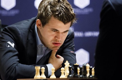 Der Großmeister Magnus Carlsen tappt in die Falle
