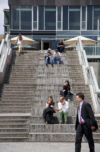 Schmäler und grauer: So sieht die Treppe zwischen dem Kunstmuseum und dem Königsbau heute aus. Foto: Thomas Wagner