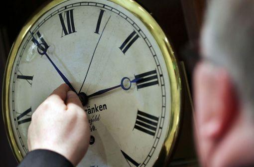 """Die Forscher und die Deutsche Gesellschaft für Schlafforschung und Schlafmedizin (DGSM) sprechen sich für eine dauerhafte """"Normalzeit"""" aus. Foto: dpa"""