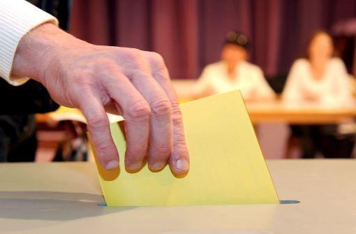 Am Sonntag haben die Crailsheimer die Wahl: Zwölf Kandidaten wollen Nachfolger von Rudolf Michl (SPD) werden, der nicht mehr antritt. Foto: dpa