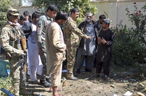 Der Ort der Explosion wird untersucht. Foto: AP