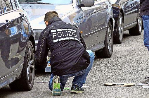 Polizeibeamter schießt auf Randalierer