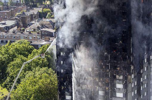 Londoner Hochhausbrand - May berief Sondersitzung ein